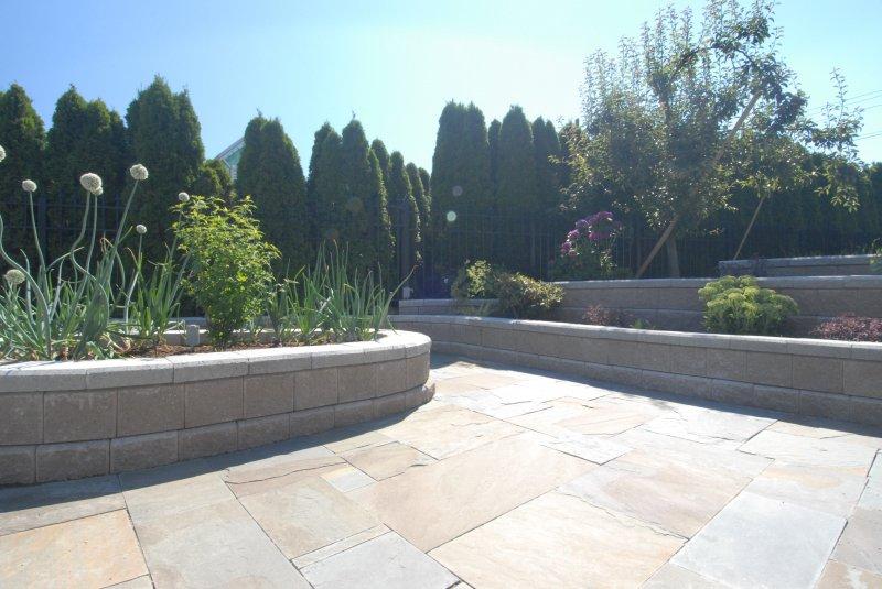 allan block veggie garden